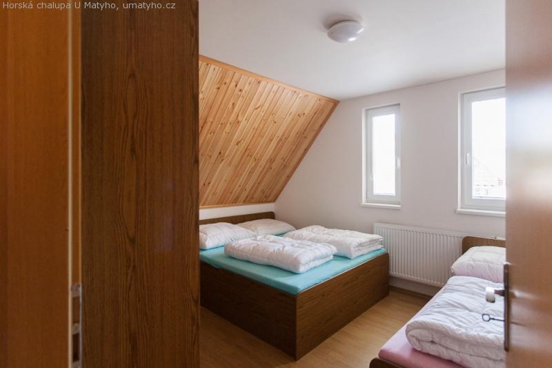 Objekt A - třílůžkový pokoj