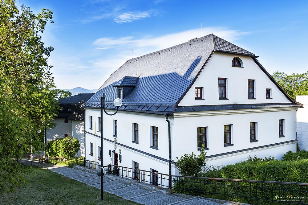 Dům Vincenze Priessnitze a první vodoléčebný ústav na světě