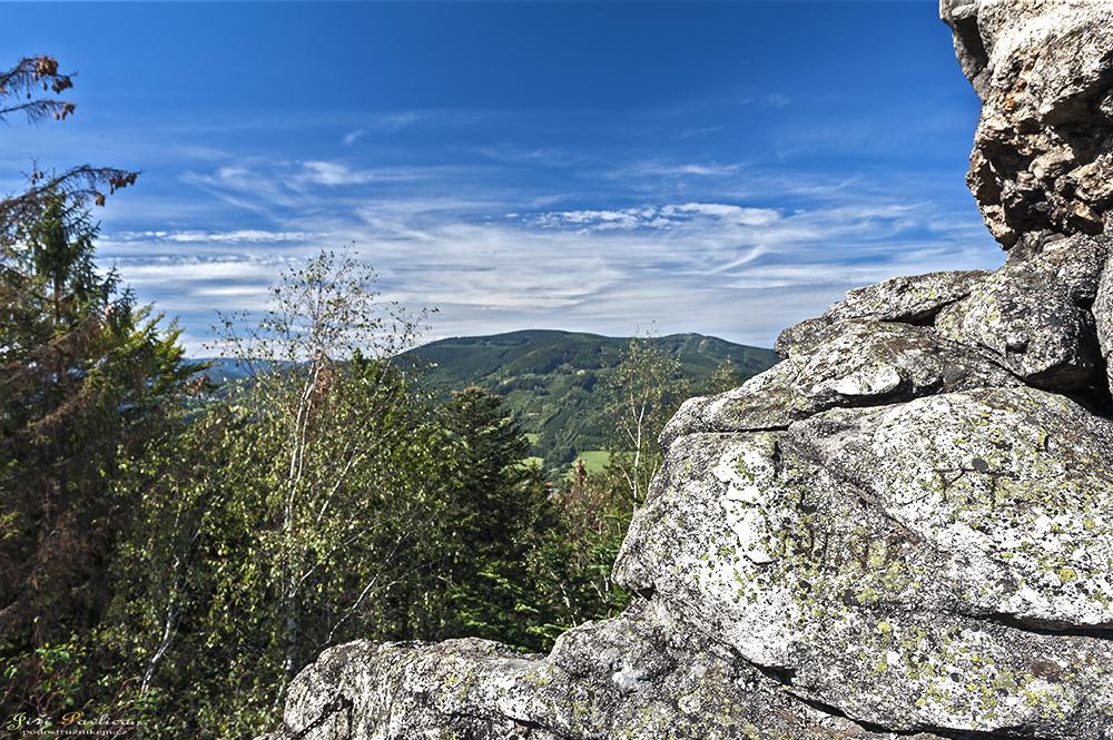 Pohled z Čertových kamenů